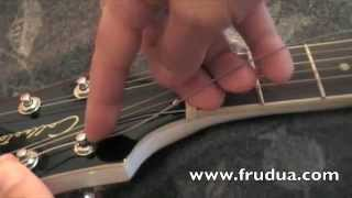 How to change strings - restring your guitar - mount strings
