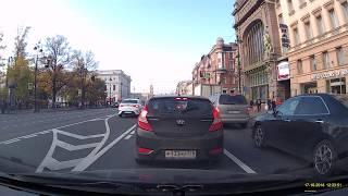 Проезд перекрестка в нарушение дорожного знака