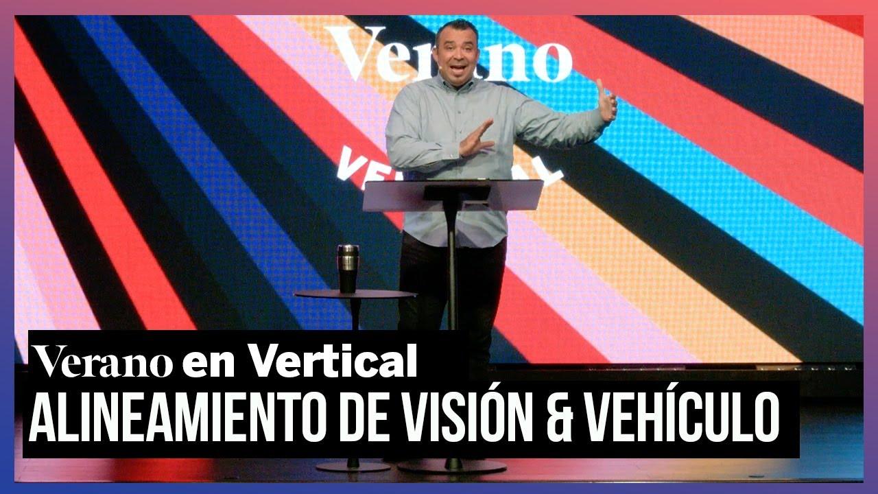 Alineamiento De Visión Vehículo Verano En Vertical
