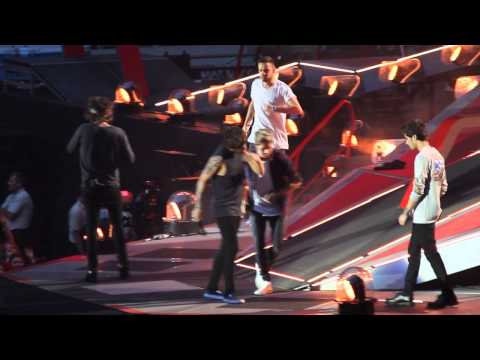 One Direction - WMYB + Louis introducing the band (WWA Dusseldorf, 02/07/2014)