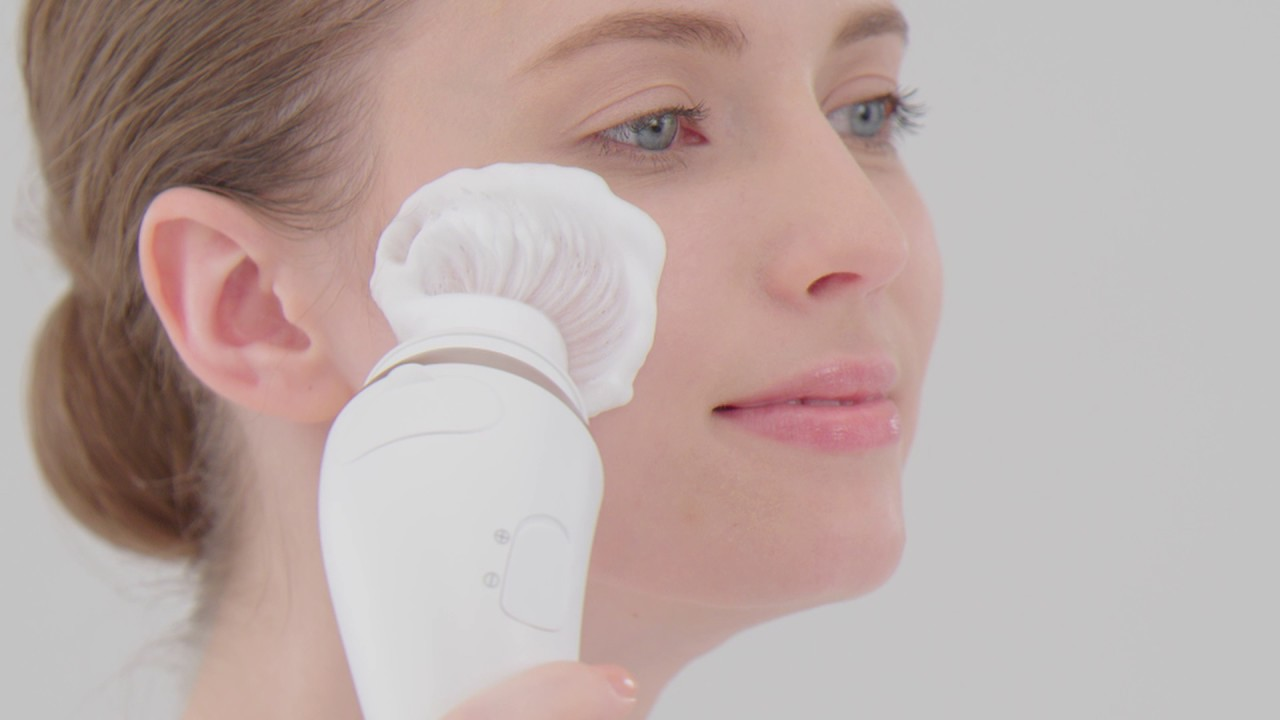 How To Use The Beauty Pro Facial Cleansing Brush Youtube