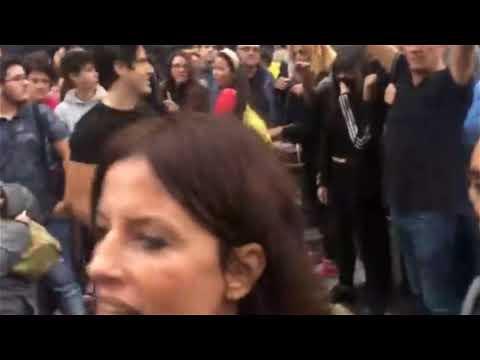 Agreden y escupen a la periodista Cristina Seguí durante una manifestación en Valencia