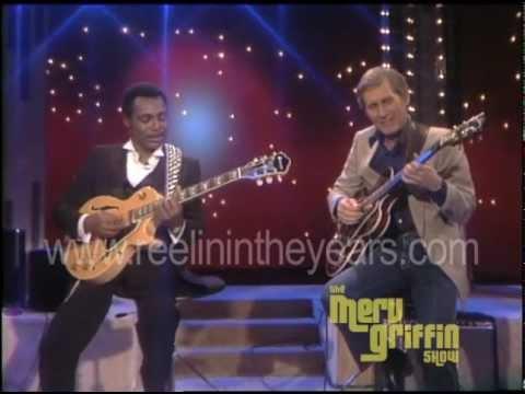 Chet Atkins & George Benson Help Me Make It Through The Night Merv Griffin Show 1984