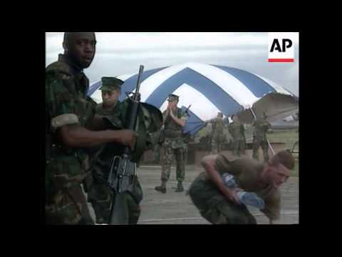 Congo - US marines stage mock evacuation