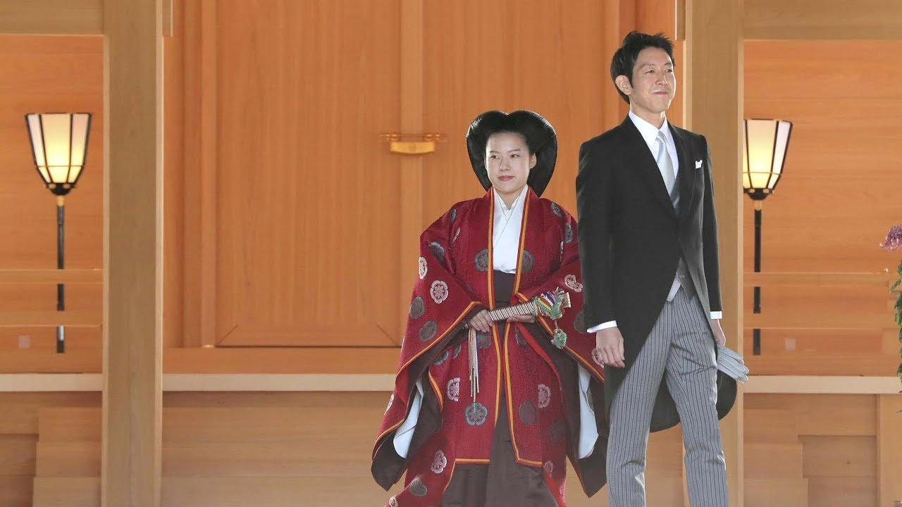Japan's Princess Ayako marries commoner in traditional ceremony