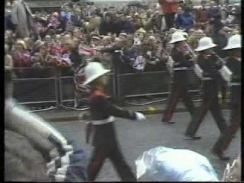 FALKLANDS CONFLICT - 12th OCTOBER 1982 - CITY OF LONDON SALUTES THE TASK FORCE the view from outside the Royal Exchange. Interviews by Christine Poole, Lois Wheeler, Suzanne Offen THANKS TO BBC AND ITN NEWS., From YouTubeVideos