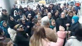 """""""Heç bir məmurun balası şəhid olmayıb, olubsa gəlsin bura"""" - Şəhid ailələrinin aksiyası"""