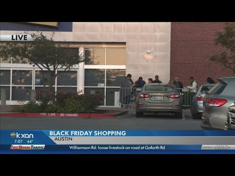 Texas retailers forecast a strong shopping weekend amid strengthening economy