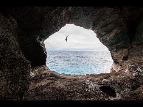 Hawaii-Cliff Jumping Paradise!