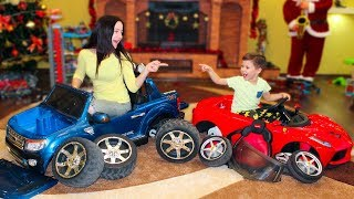 Tema and Mom Play with toys and Assembling cars