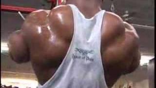IFBB Pro bodybuilder Johnnie Jackso