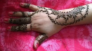 Most Beautiful Unique and Special Back Hand Mehndi Design-सुन्दर और आसान मेहँदी डिज़ाइन