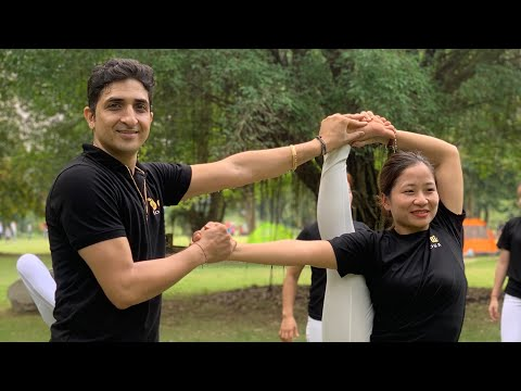 30 Minutes Flexible and Strong Yoga Workout with Master Ajay Jai yoga