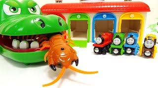 Giant Croc Eat Snake & Centipede Toy Monster Insect Tayo bus Garage Thomas & Chuggington & Cars