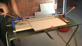 Ręczna przecinarka do płytek ceramicznych Rubi z serii TF