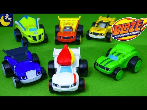 Blaze and the Monster Machines Velocityville Crusher Race Cars Diecast Disney Cars 3 Surprise Toys!