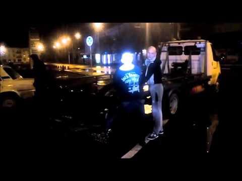 В Энгельсе задержанный полицией пьяный водитель матом критиковал саратовские дороги