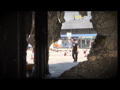 شاهد: طلاب جامعة العلوم التطبيقية في هونغ كونغ يواصلون محاصرة الحرم الجامعي…  - 20:59-2019 / 11 / 16