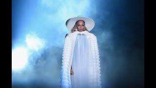 Beyoncé - Hold Up (VMA 2016)