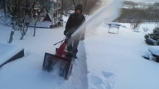видео Снегоуборщик Honda HS622K1EW