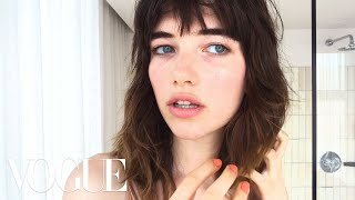 See what happens when model Grace Hartzel test drives Vogue's first-ever beauty collaboration with Birchbox—a sleek kit stocked with cultishly cool ...