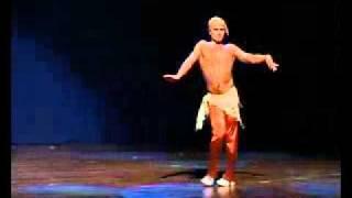 Это надо видеть! Мужской восточный танец живота.flv(Это надо видеть!, 2012-01-29T06:22:02.000Z)