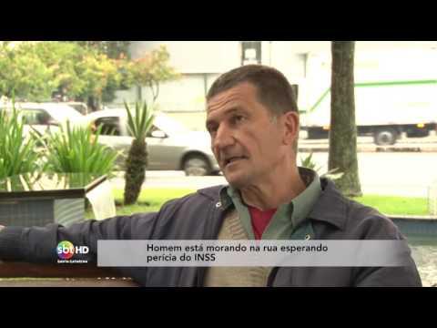 Homem está morando na rua esperando perícia do INSS