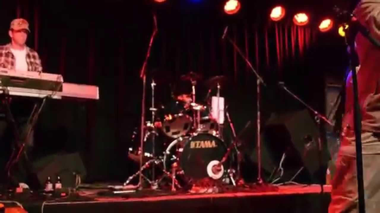 Desmond foster & Lesfnuts live at club riddim republic part one