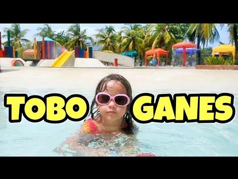 Un dia en la piscina de ni os con toboganes youtube for Piscinas con toboganes para ninos