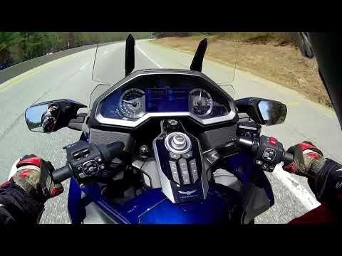 A Harley Rider Rides a New 2018 Goldwing DCT