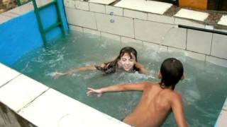 Маленький бассейн(, 2011-08-11T07:08:05.000Z)