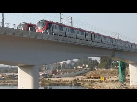 Lucknow Metro on Gomati bridge load testing - लखनऊ मेट्रो गोमती पुल पर लोड टेस्टिंग
