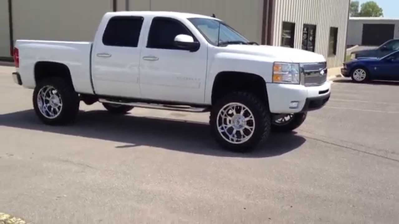 2010 Chevy 35 Inch Toyo Mt Tires And Fuel Wheels Nashville