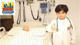 SADO DOKTOR OLDU! Çocuk Meslek Şehri | Sado Pretend Play with Doctor Costumes