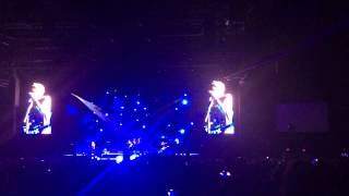 5SOS wrapped around your finger live 9/4/15 camden