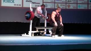 Alexey Lesukov presses 200kg for reps