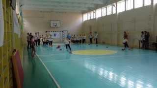 Олімпійський урок у школі 25 у Кіровограді: естафета