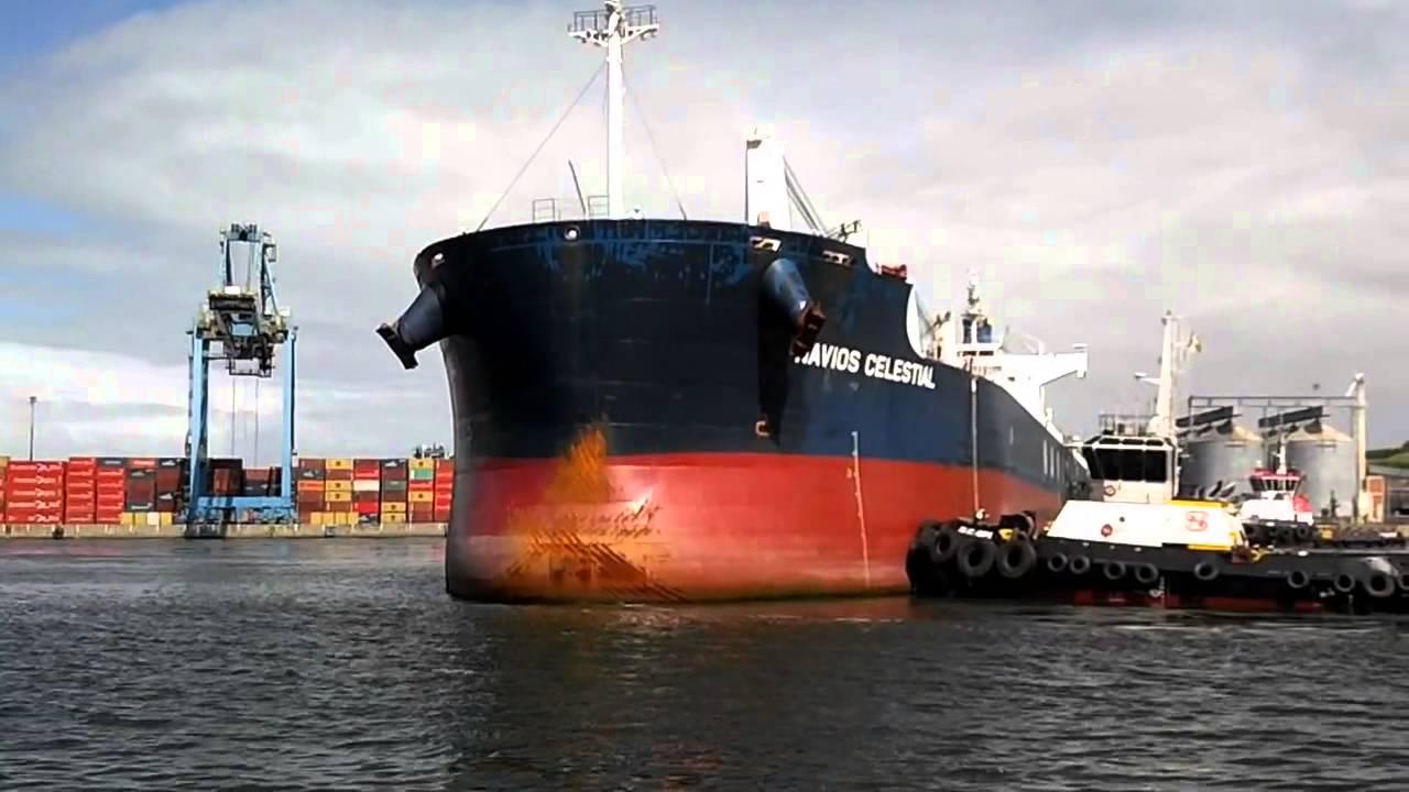 Resultado de imagem para navios de tipo Panamax porto de Vitória