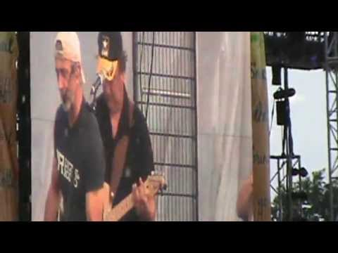 Aaron Tippin at Country USA 2013 - Where the Stars and Stripes and the Eagle Fly