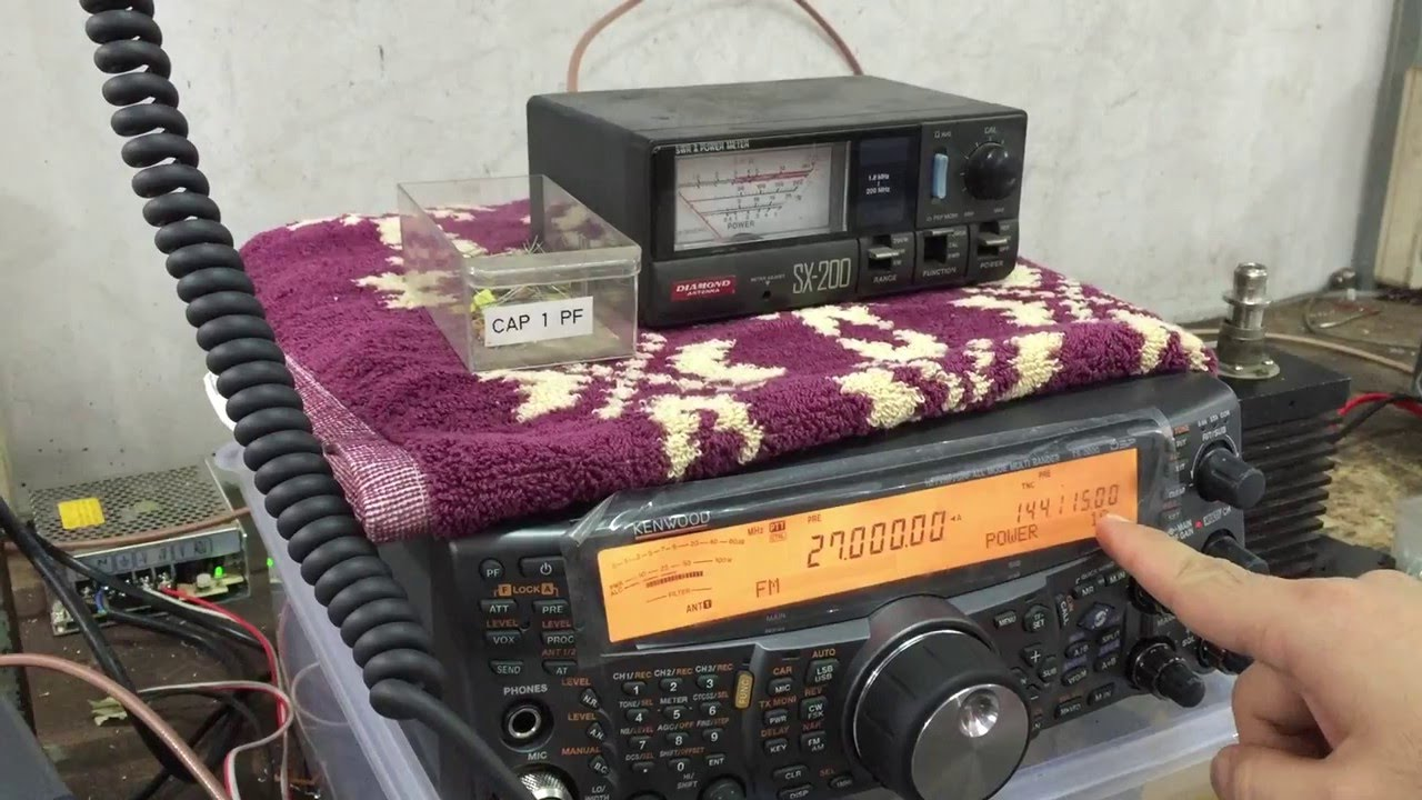 HF Amplifier Solid State 2000 Watt 1,8-54 Mhz Booster with 10Watt Input