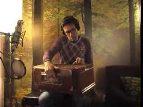 """Little Drummer Boy"" played by David Fonseca x 10"