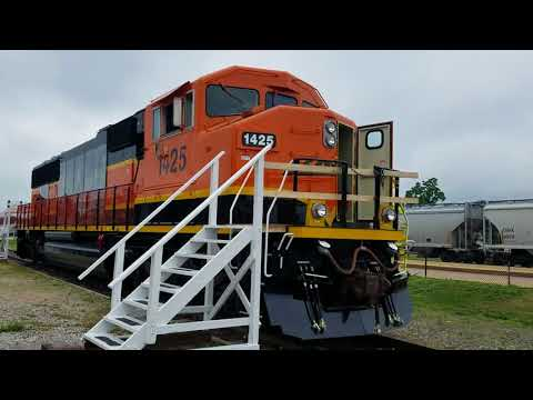 Tour of BNSF 1425 SD60M Galesburg Illinois 6-22-18