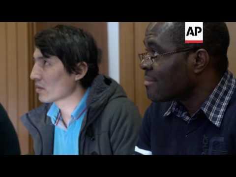 International volunteers teach Budapest refugees