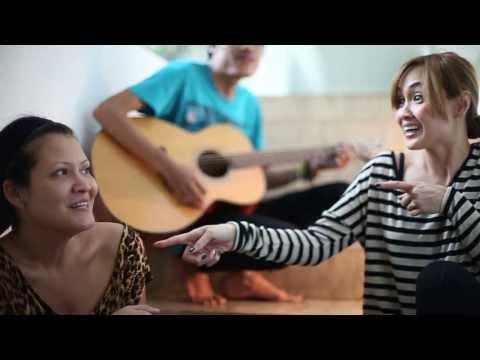 Rokenrol (Melanie Subono & Sara Wijayanto) - Gak Ada Matinya