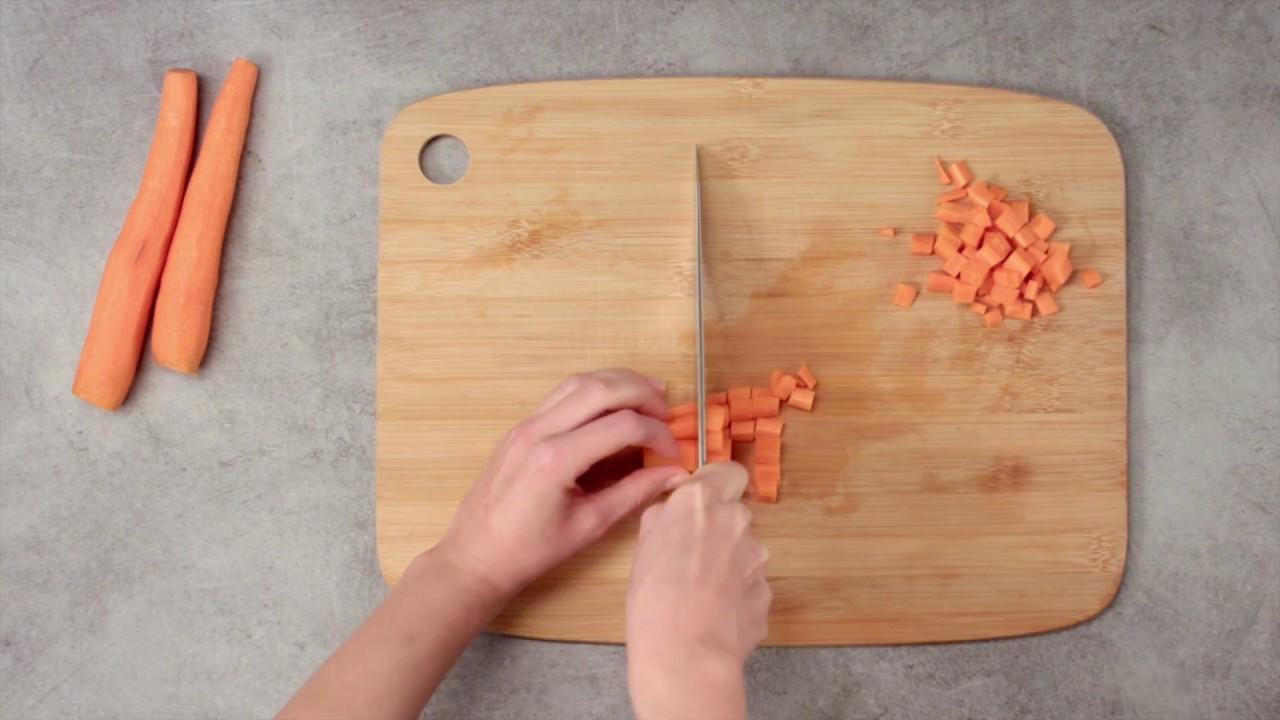 Comment Couper Une Carotte En Des Youtube