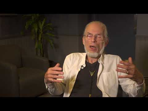 Topographic Drama - Steve Howe Q&A 8/9 & Heart Of The Sunrise (live excerpt)