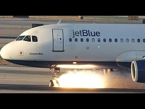 JetBlue Landing Gear