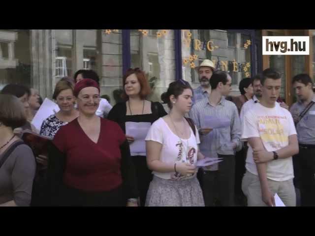 Énekkel titakoztak a diszkrimináció ellen