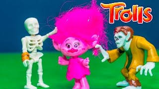 Trolls Poppy and Branch have a Spooky Holiday Adventure