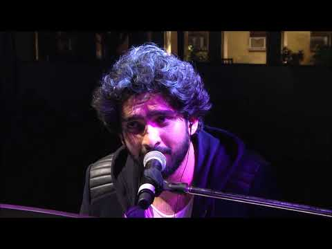 Download Lagu  Amaal Mallik Romantic Songs Piano Live Performance Mp3 Free